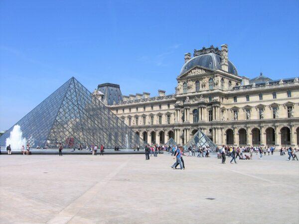 Paříž – Louvre