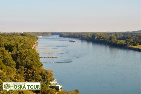 Dunaj z hradu Devín