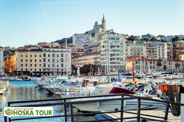 Azurové pobřeží – přístav ve městě Marseille