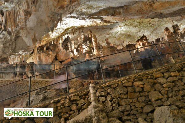 Chodníčky v Postojenské jeskyni – exkurze pro školy