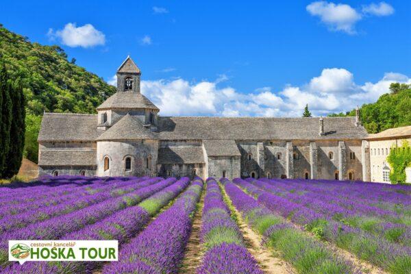 Klášter Senaque a levandulové pole Provence