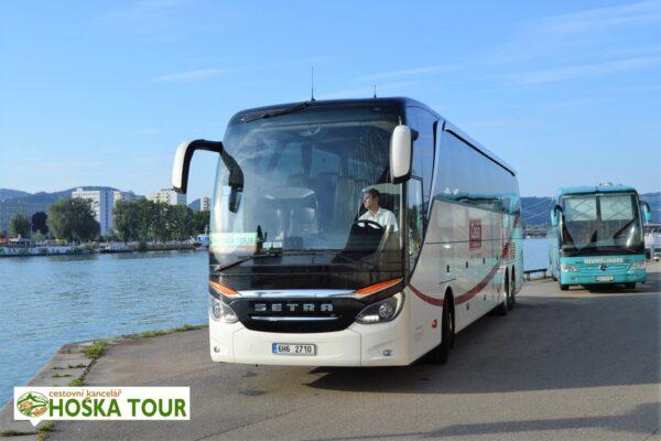 Linec – autobus na nábřeží