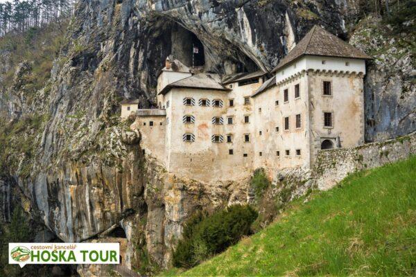 Predjamský hrad ve Slovinsku – exkurze pro školy