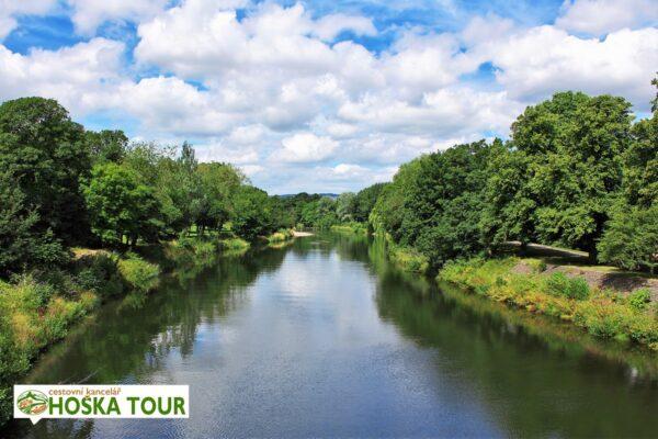 Řeka ve městě Cardiff – zájezdy do Velké Británie pro školy