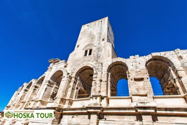 Římský amfiteátr ve městě Arles