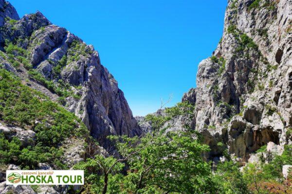 Skály v národním parku Paklenica – exkurze pro školy do Chorvatska