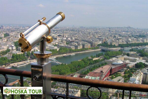 Školní zájezd do Paříže – výhled z Eiffelovi věže