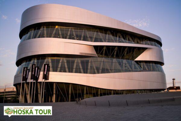 Stuttgart – muzeum značky Mercedes Benz