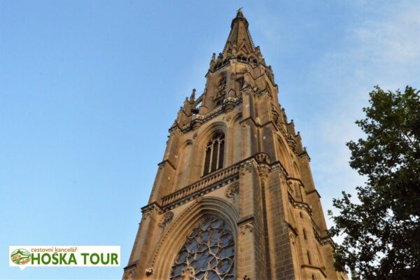 Věž linecké katedrály Mariendom